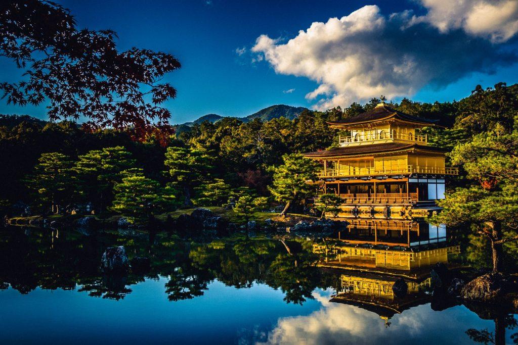 旅行で京都の金閣寺